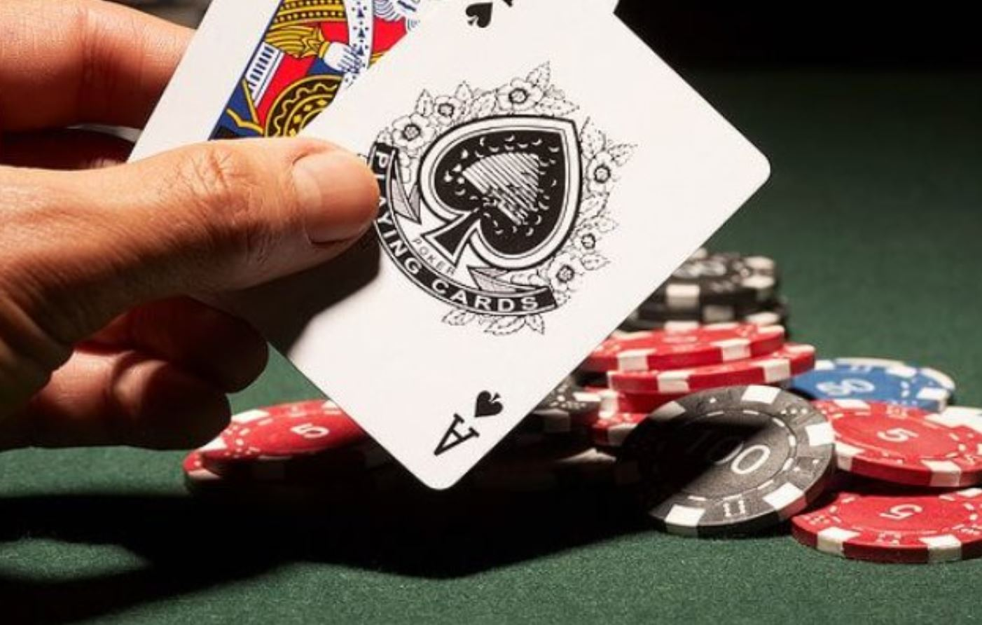 How to learn to play blackjack? A few simple yet effective tips